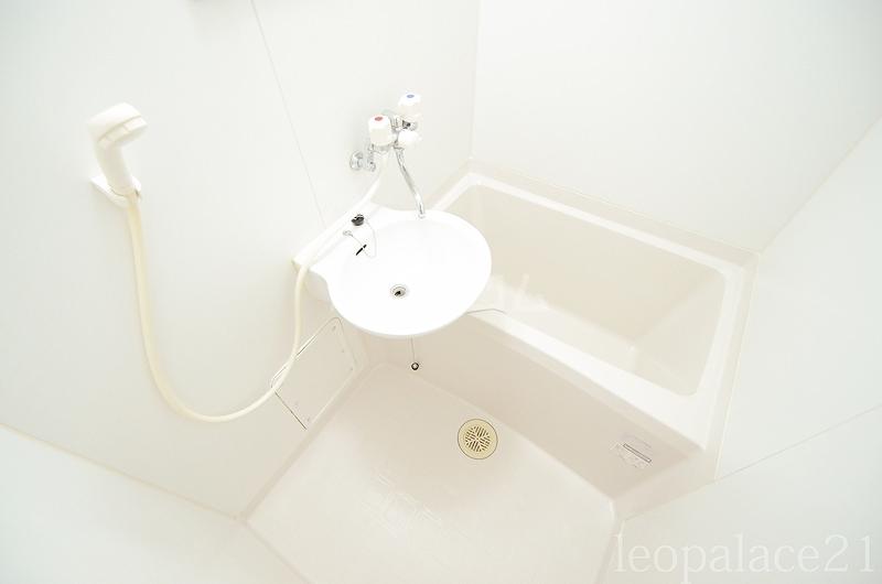 レオパレスラビドールⅠ 204号室の風呂