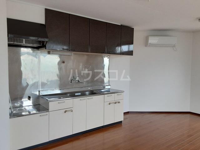 ルミネヤシマ大和 302号室のキッチン