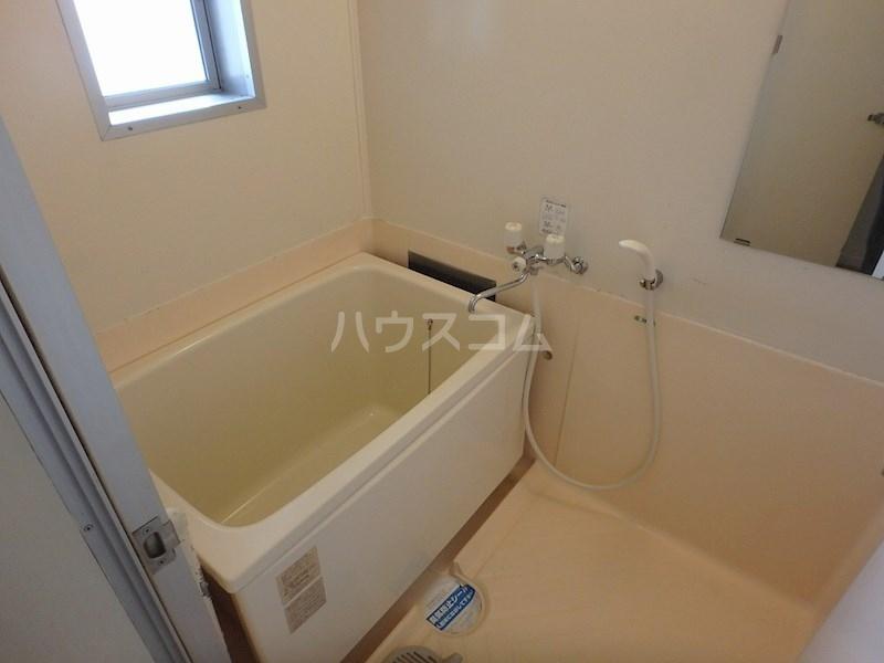 レジデンスシェモア 103号室の風呂