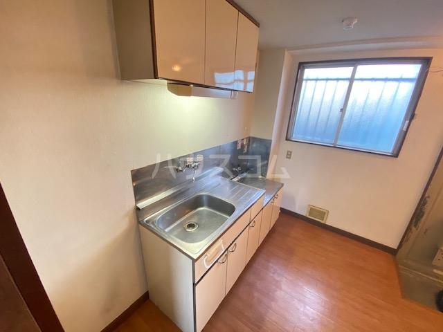 藤花マンション 208号室のキッチン