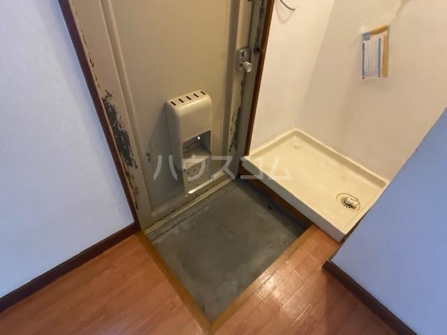 藤花マンション 208号室の玄関