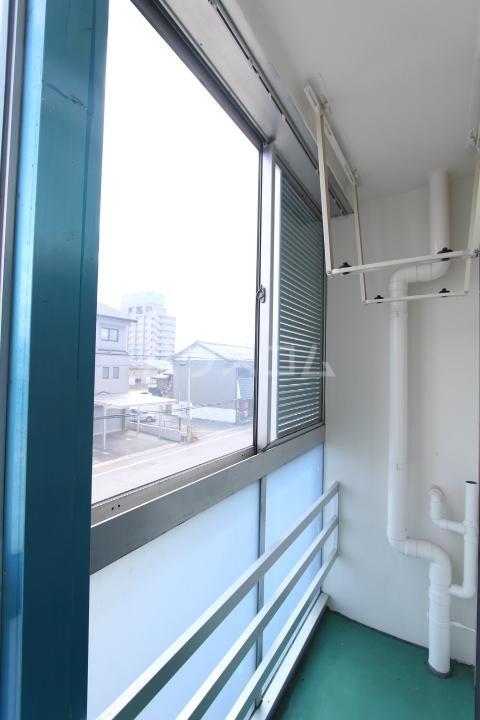 松井ビル 203号室のバルコニー