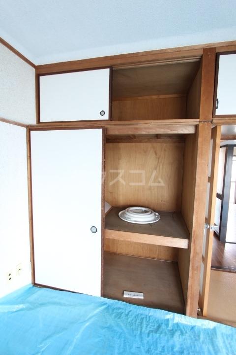 松井ビル 203号室の収納