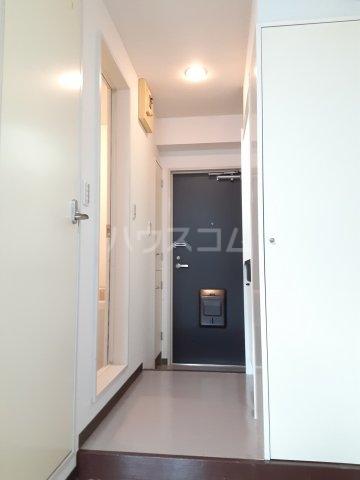 CKすずかけ台 327号室の玄関