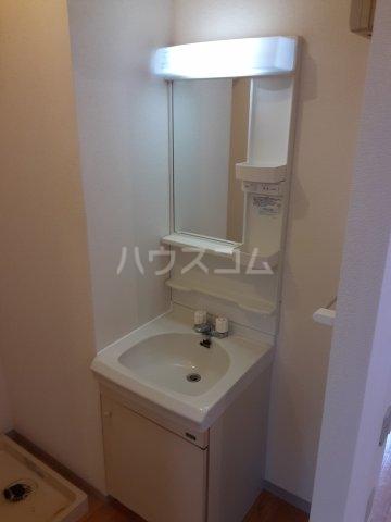 サンハイツ鶴巻 101号室の洗面所