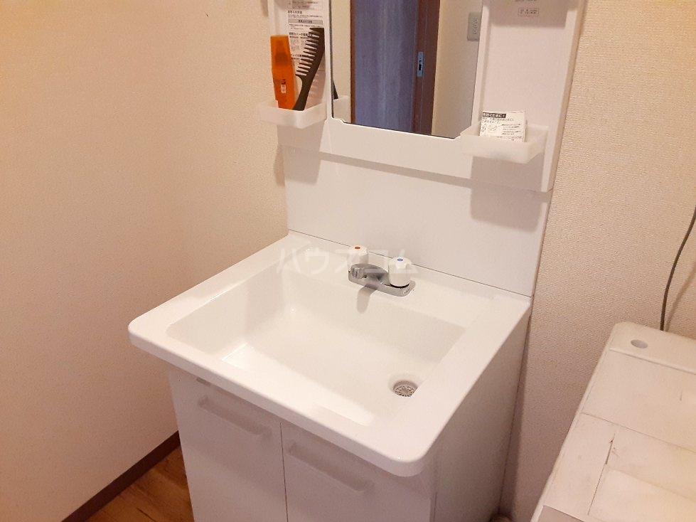 エンリービル 1A号室の洗面所