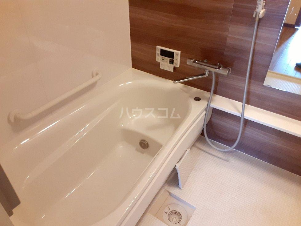 エンリービル 1A号室の風呂