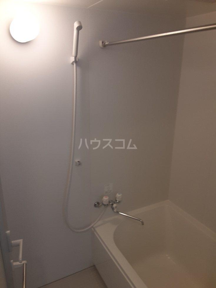 フリューゲル綾瀬 302号室の風呂