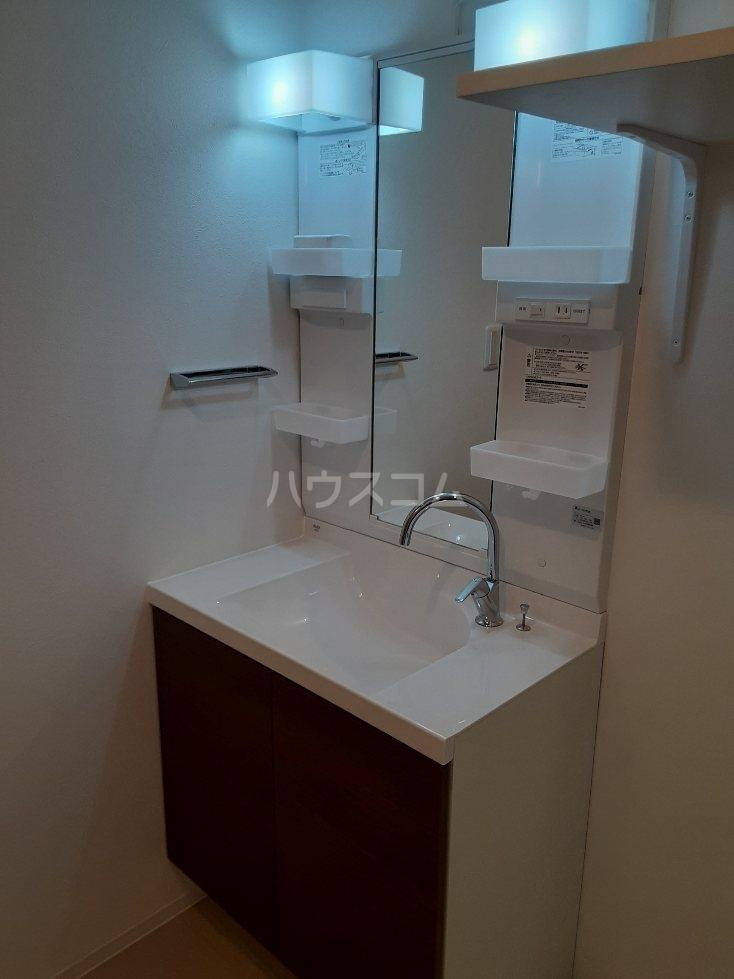 フリューゲル綾瀬 302号室の洗面所