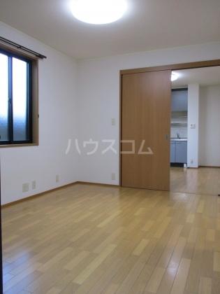 シャンテ 101号室の居室