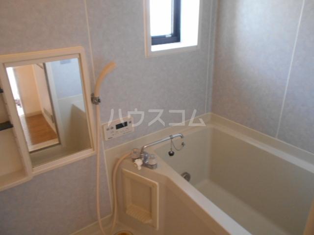 サンリバーⅠ 201号室の風呂