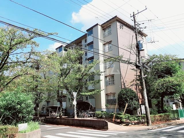 鎌ヶ谷グリーンハイツ37号棟の外観