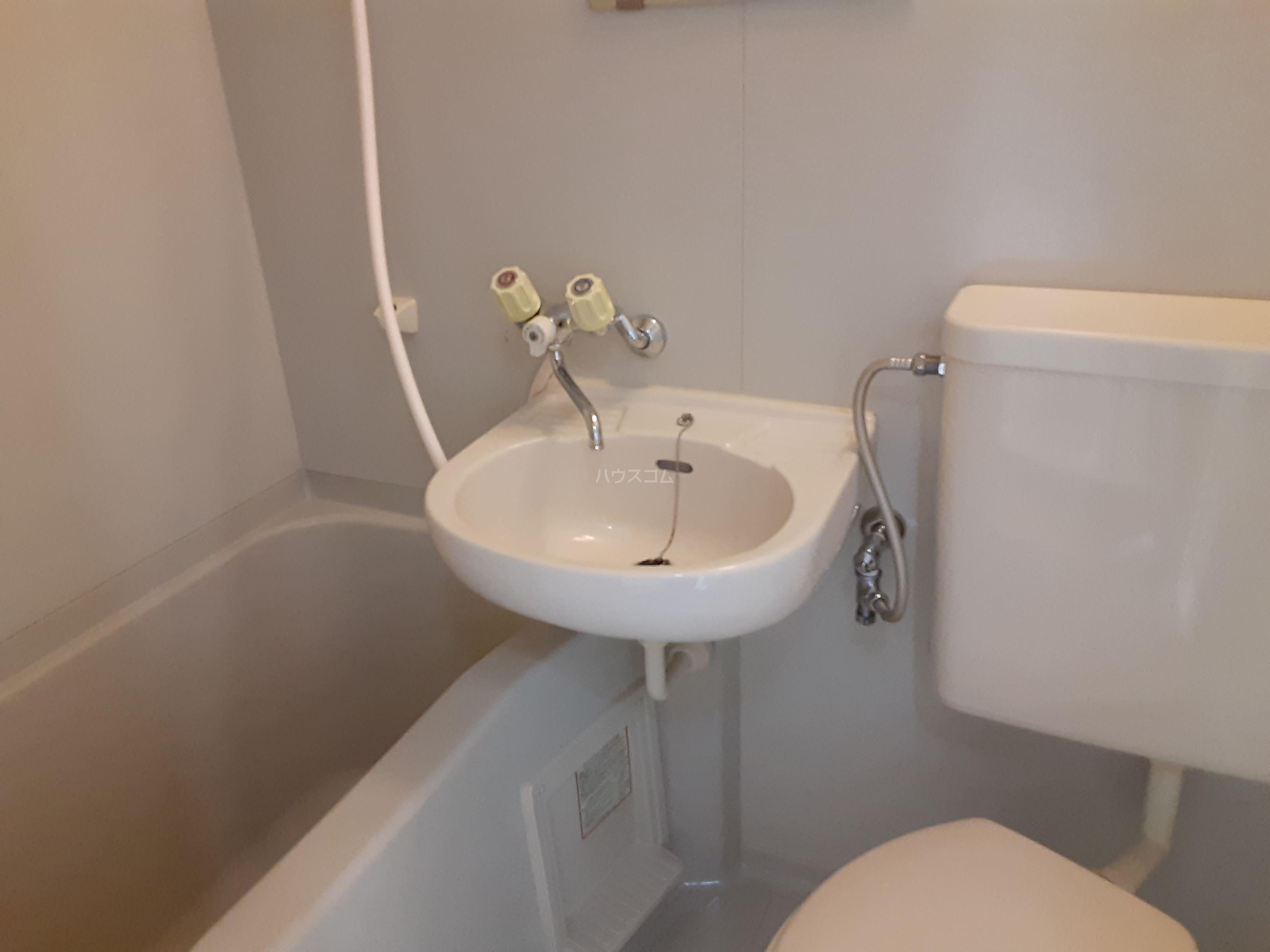 メゾンアリスト 203号室の風呂