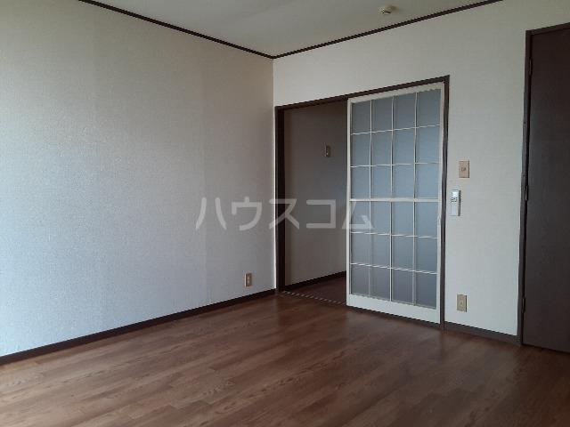 G.Oハイム江戸川台 102号室のリビング