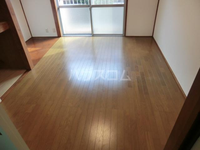 第16島田マンション 307号室のリビング