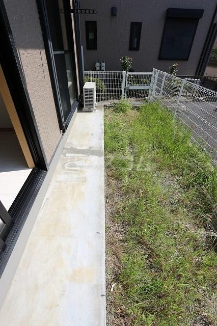 エスポワール立野A 201号室の庭
