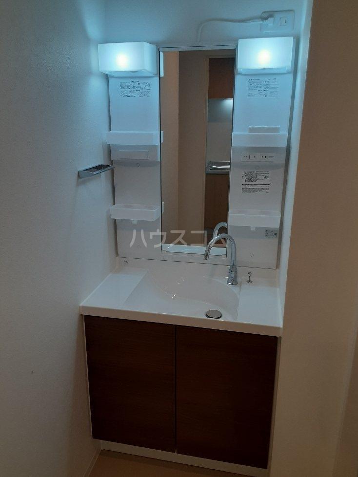 フリューゲル綾瀬 205号室の洗面所