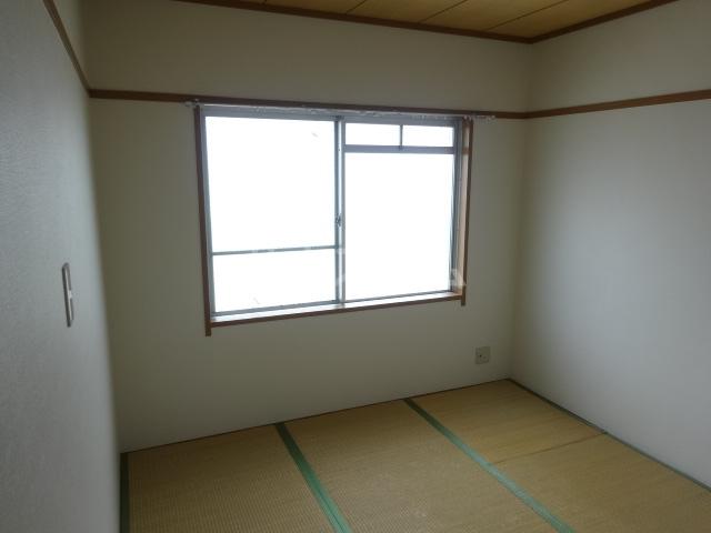 雉の上コーポラス 204号室の居室