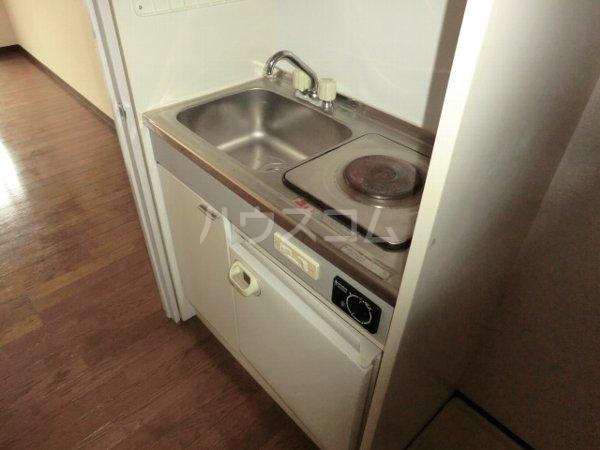 アップルコート春日井 107号室のキッチン