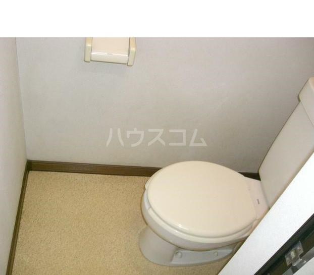 グリーンハイツ深大 105号室のトイレ