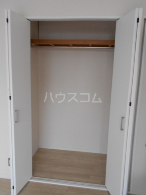 ジョイフルハウス 101号室の収納