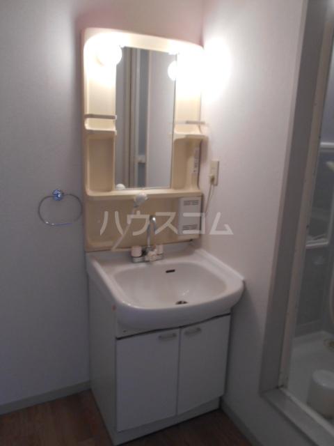 ジョイフルハウス 101号室の洗面所