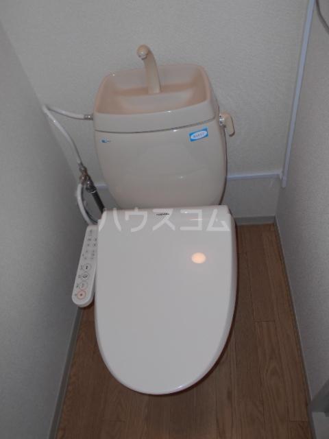 ジョイフルハウス 101号室のトイレ