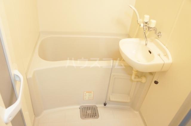 レオパレス如意申 205号室の風呂