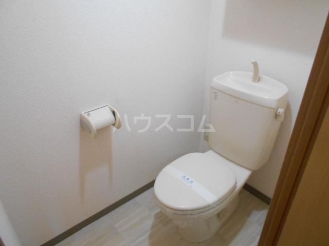 コスモ下山 203号室のトイレ