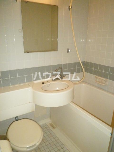 ラ・クール泉 301号室の風呂