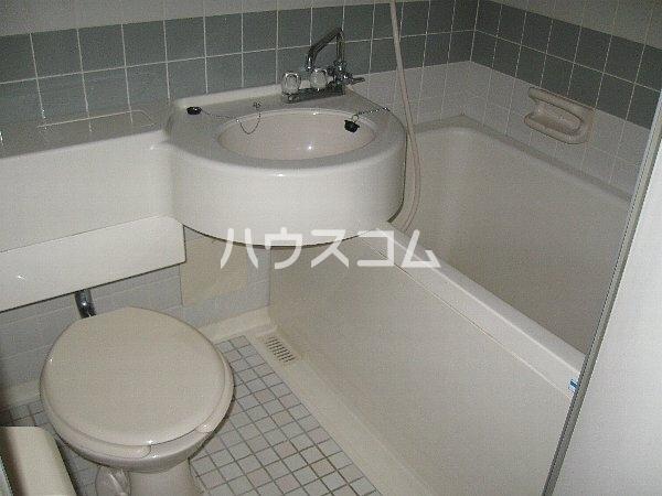 ラ・クール泉 301号室のトイレ