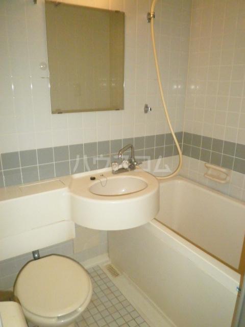 ラ・クール泉 403号室の風呂
