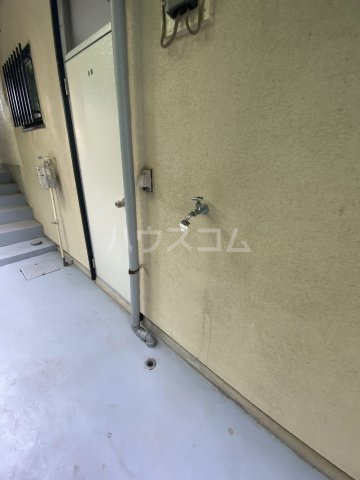 コートビレジA 3-B号室のエントランス