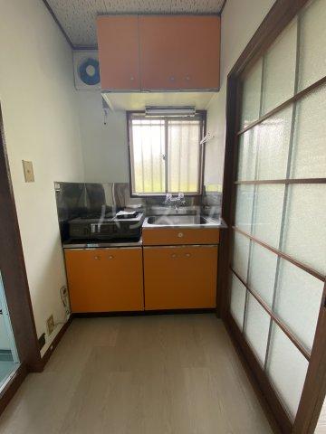 コートビレジA 3-B号室のキッチン