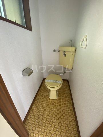 コートビレジA 3-B号室のトイレ