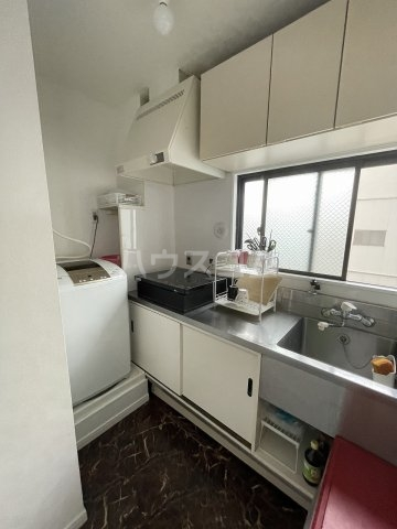 豊田屋ビル 303号室のキッチン