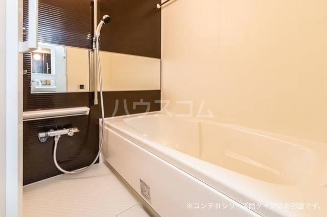 ニューポート千波 01020号室の風呂