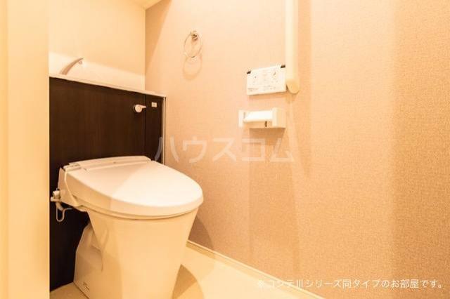 ニューポート千波 01030号室のトイレ