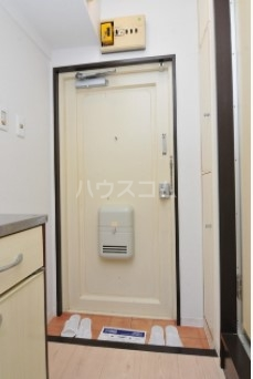 メゾン・ド・パラディ 506号室の玄関