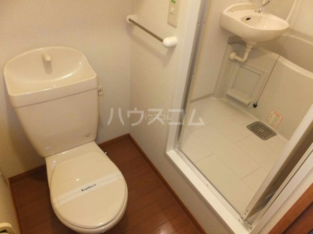 レオパレスポラリス 105号室のトイレ