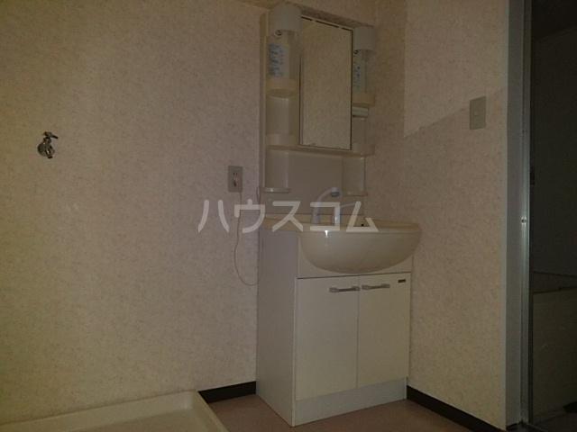 アルテミスm,s 101号室の洗面所
