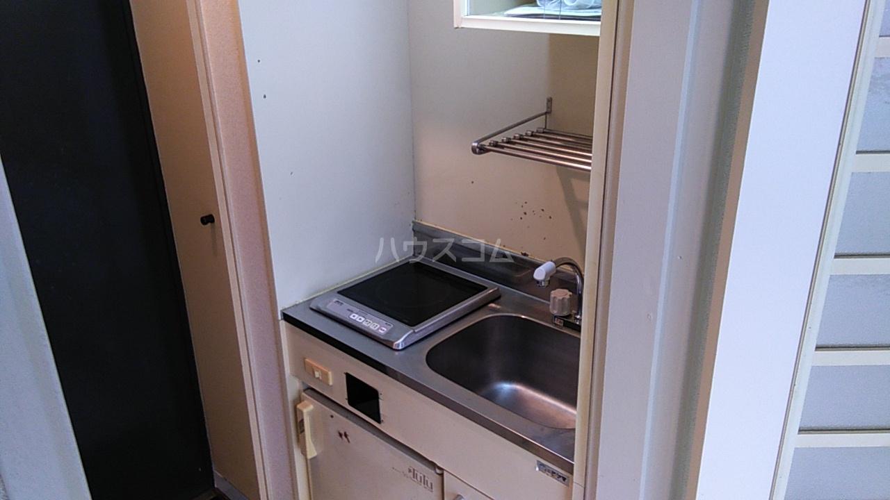 田村アパートメント 102号室のキッチン
