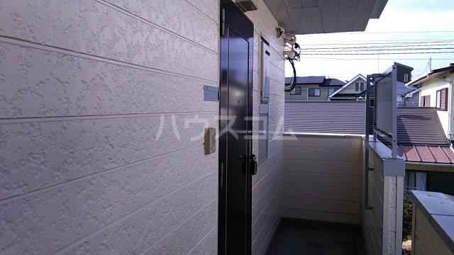 田村アパートメント 201号室のエントランス
