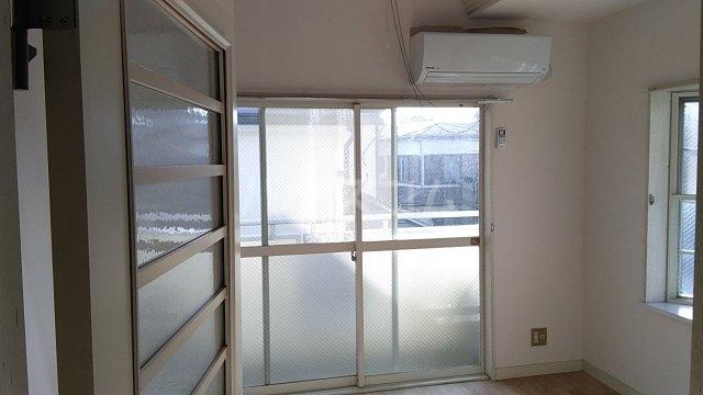 田村アパートメント 201号室のリビング