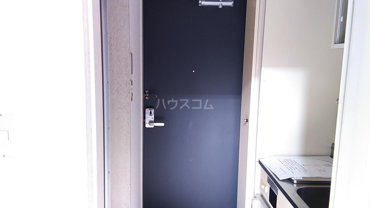 田村アパートメント 201号室の玄関