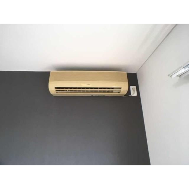 第100オーナーズビル 301号室の居室