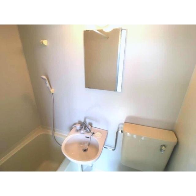 第100オーナーズビル 301号室のトイレ