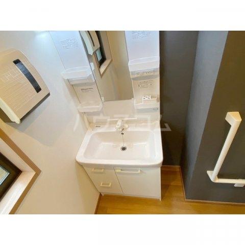 リブレス新河岸Ⅴ 旧新河岸元寮 108号室の洗面所
