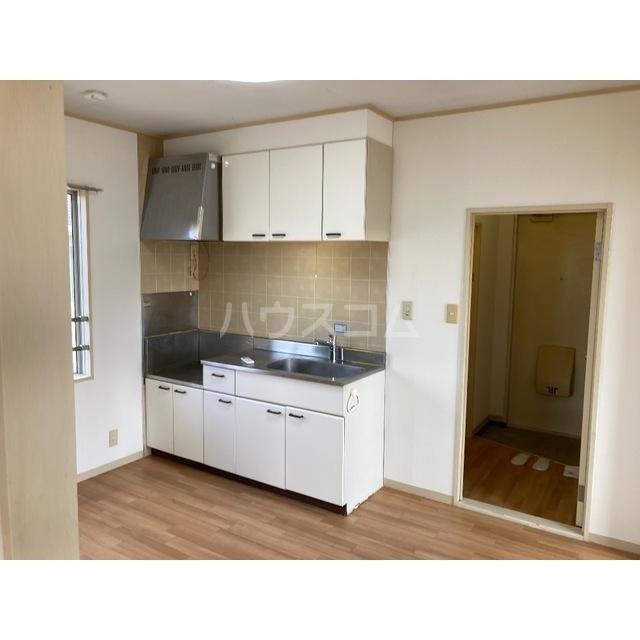 フレグランスワタヌキ2号館 202号室のキッチン