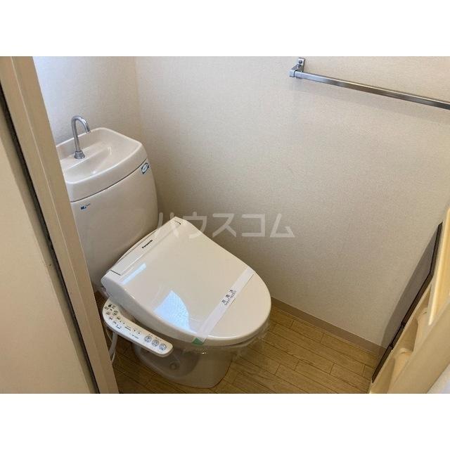 フレグランスワタヌキ2号館 202号室のトイレ
